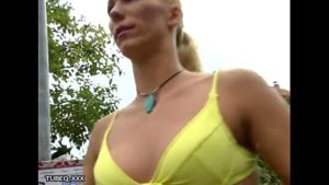 Blond-fit-girl-sucks-small-dick-outside